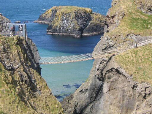 carrick rede a rope touwbrug in ierland
