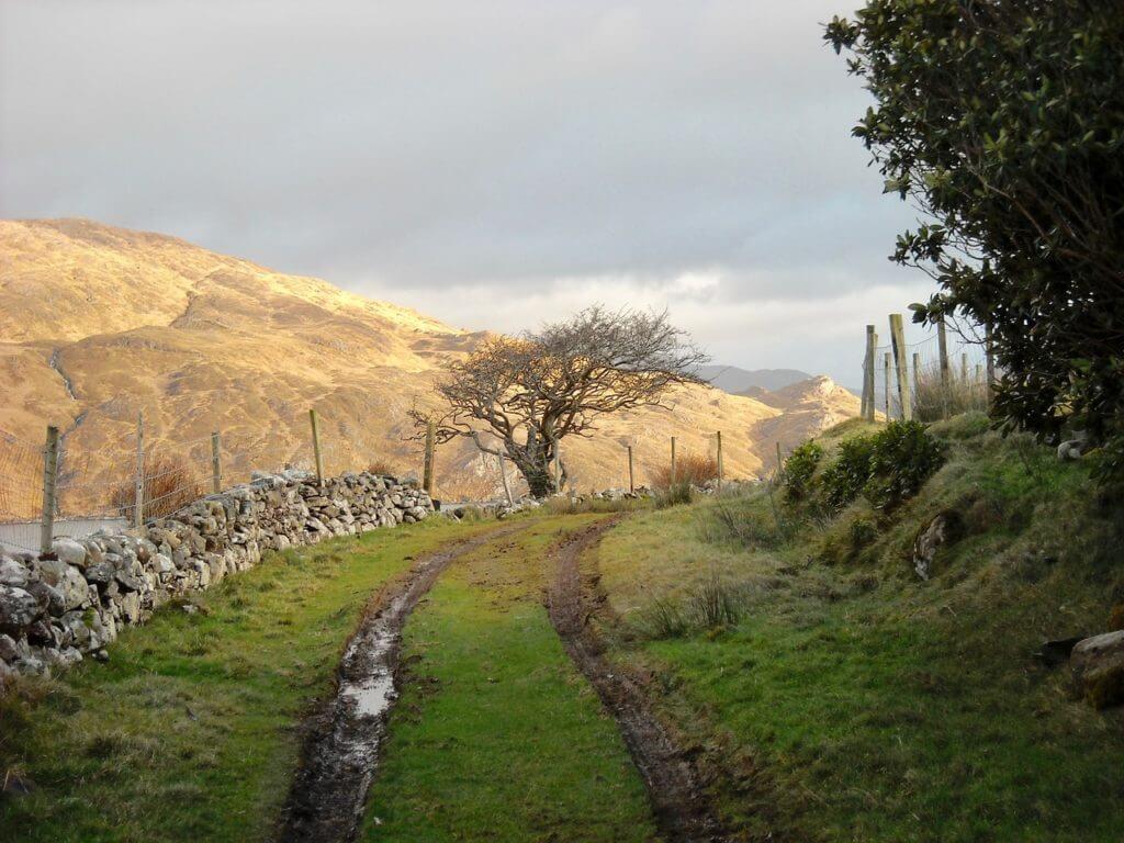 hiken ierland